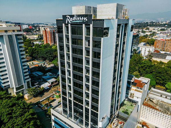 RADISSON HOTEL & SUITES GUATEMALA CITY SE RENUEVA Y OBTIENE CERTIFICACIÓN DE LIMPIEZA Y DESINFECCIÓN